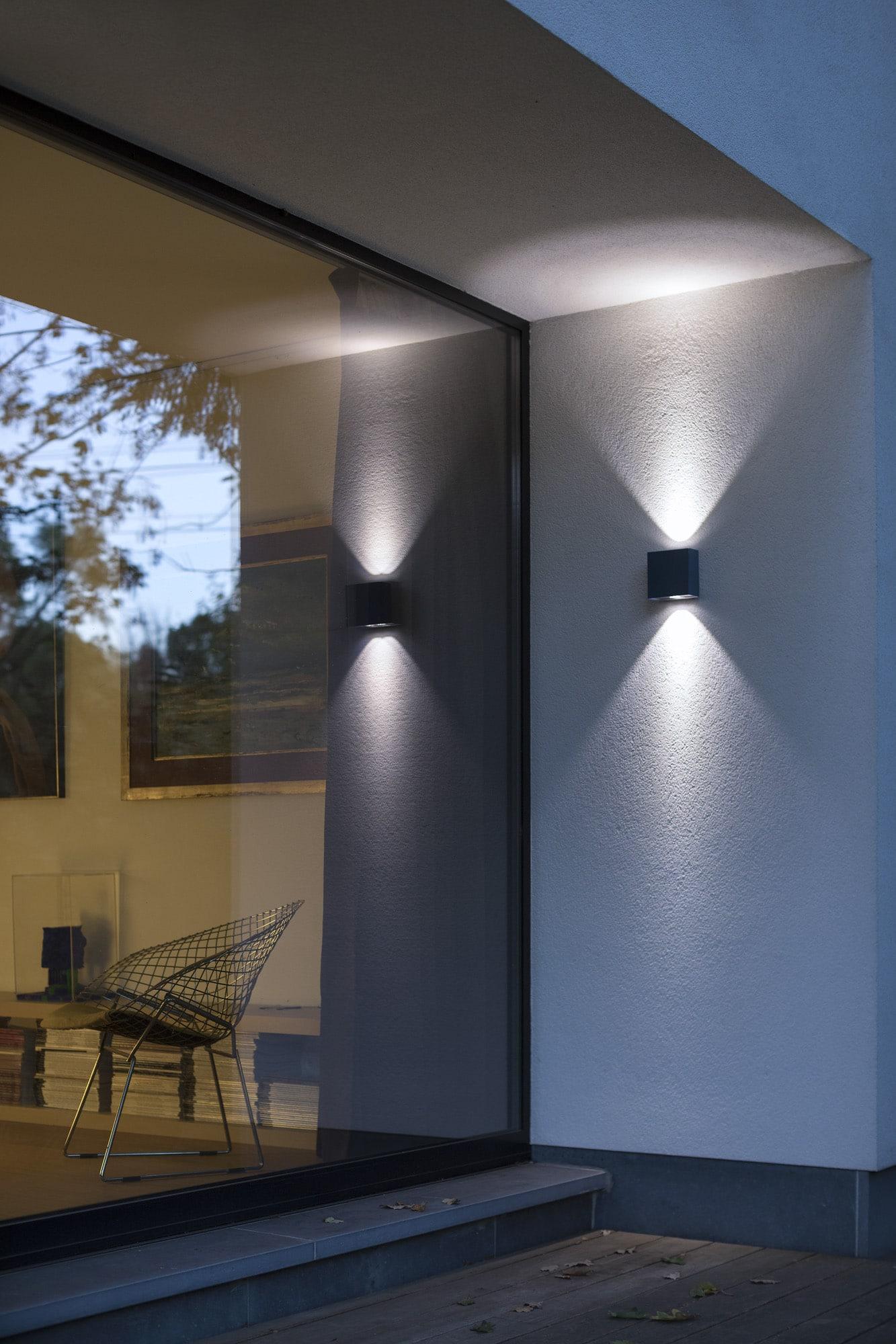 Luminaire Pour Couloir D Entrée conseils pour éclairer la façade extérieure de votre maison